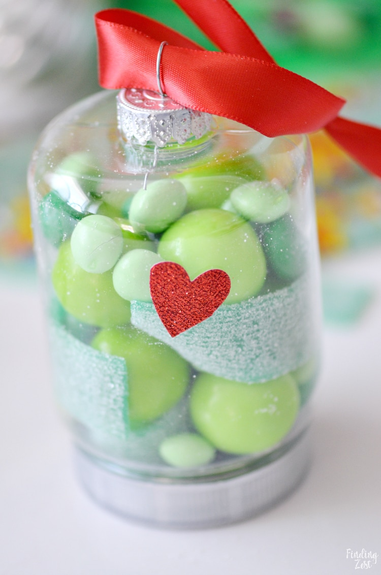 Grinch plastic Christmas ornaments with heart craft