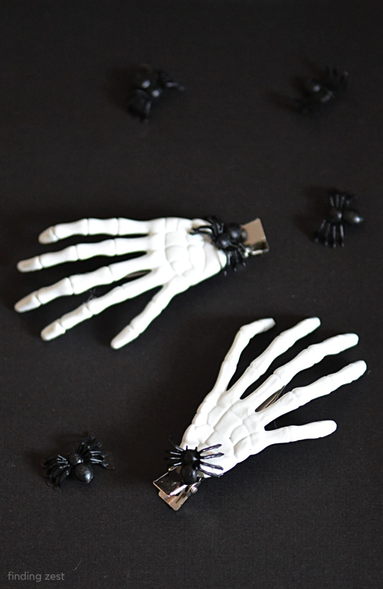 Skeleton Hair Clips for Halloween, a easy and fun DIY!