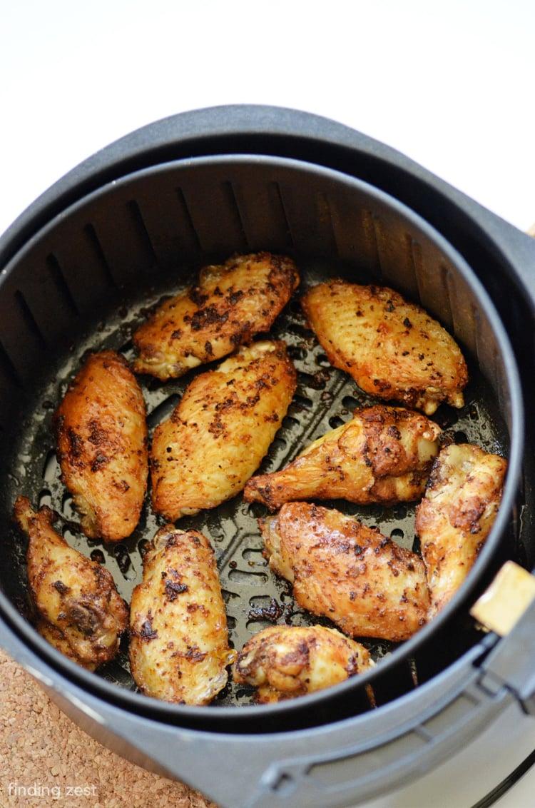 Crispy air fryer wings in basket