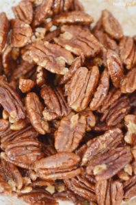 Learn how to make roasted pecans with honey in your oven!